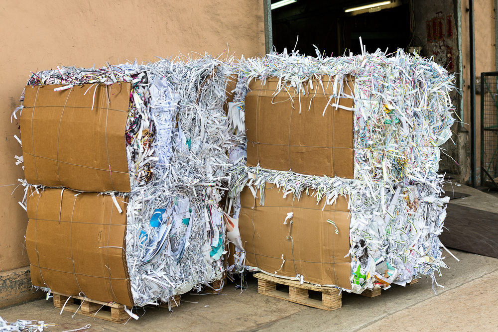 archiefvernietiging-balen-papier-recycling